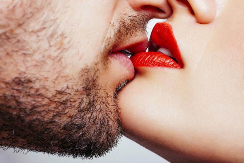 Cum sarut fiecare zodie