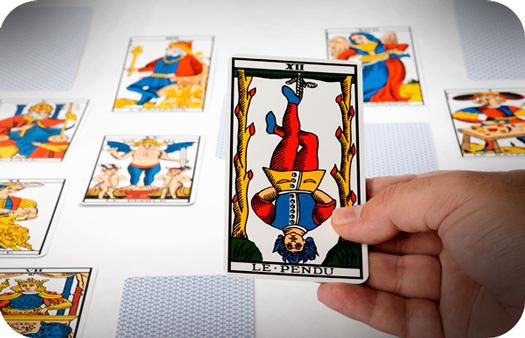 Tarot online: care este cartea ta in functie de data nasterii